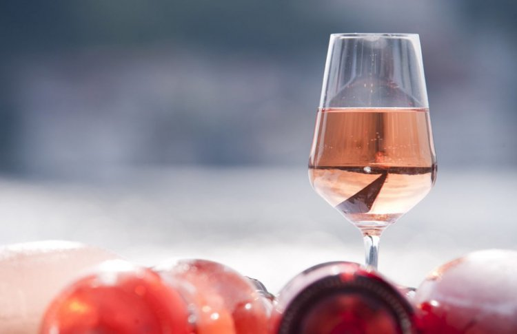 Первое розовое шампанское старше, чем вы думаете