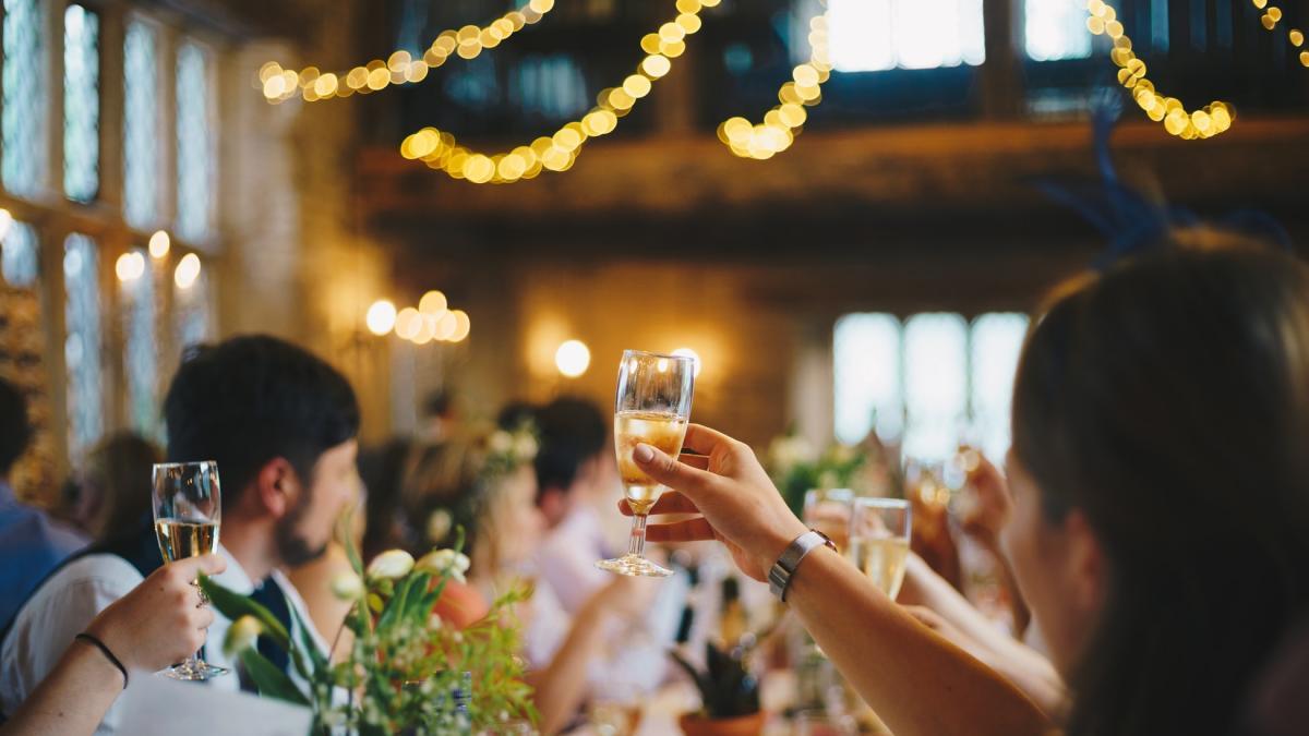 Опасность шампанского: какие правила необходимо соблюдать