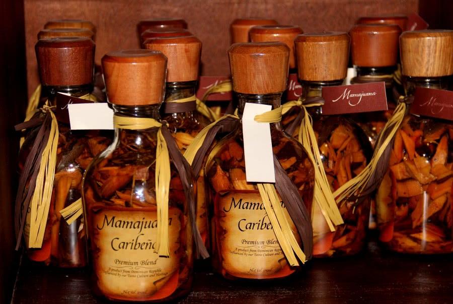 Мамахуана — Доминиканский алкогольный напиток