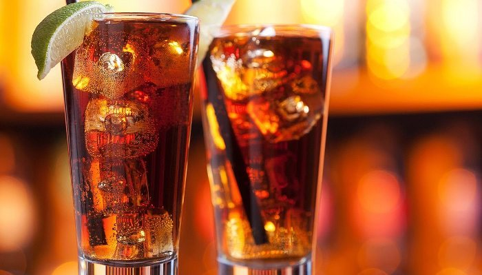 Лонг Айленд Айс Ти (Long Island Iced Tea) — 4 рецепта популярного коктейля