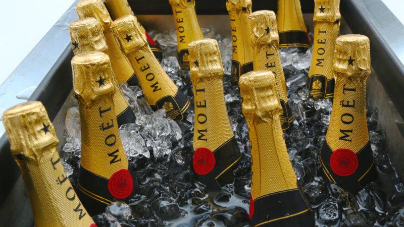 Что делать, если бутылка шампанского замерзла?