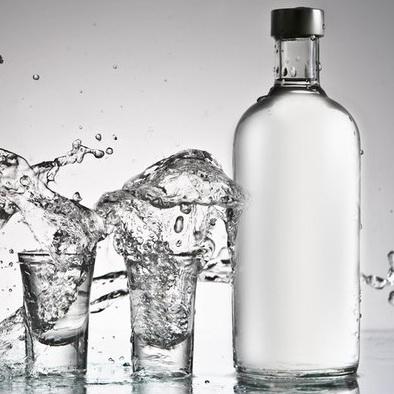 Кто первым придумал водку?