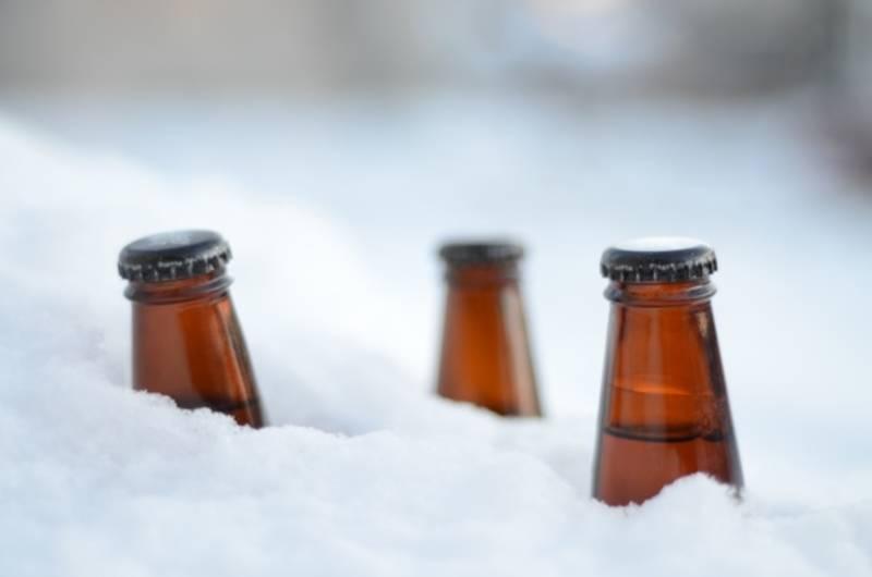 Как быстро охладить пиво, в стекле и в пластике?