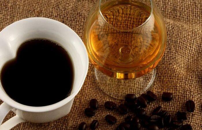 Стоит ли сочетать кофе и алкоголь?