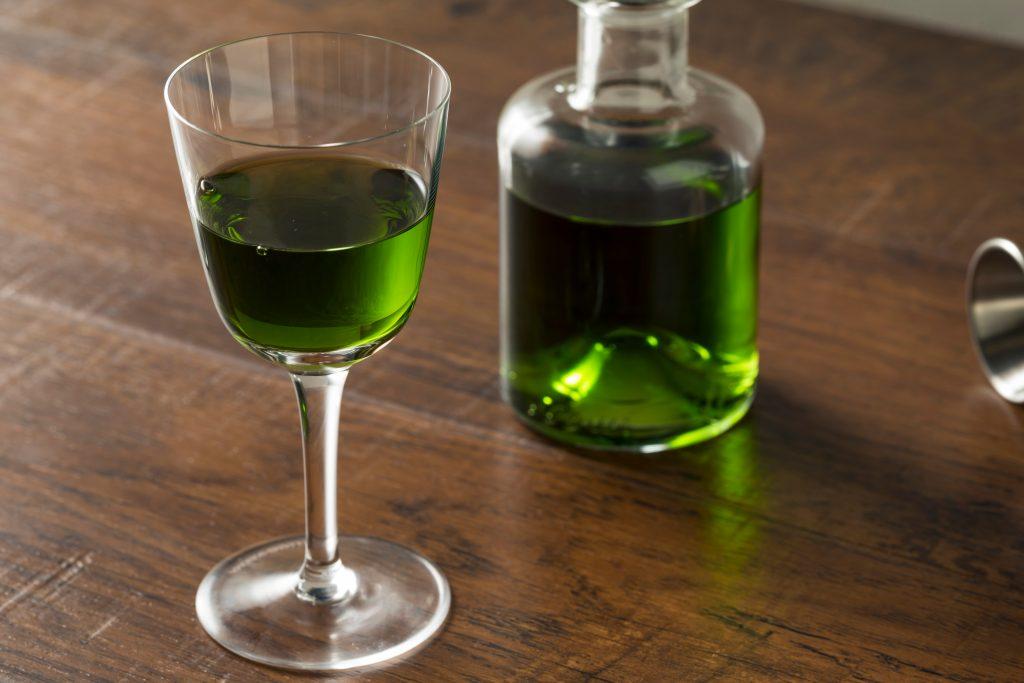 Каким бывает абсент: виды напитка