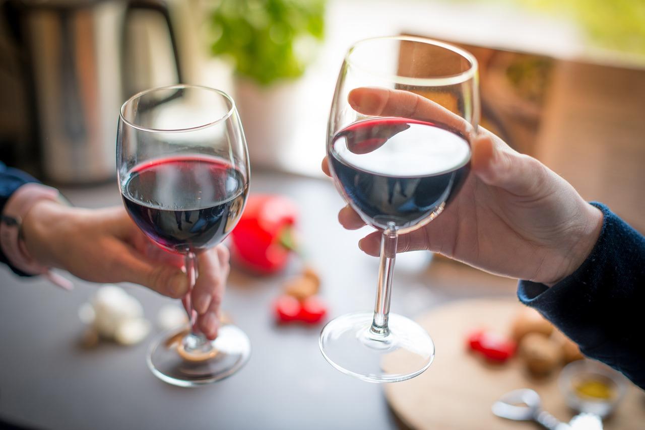 Как правильно: ошибки, которые вы допускаете, распивая вино