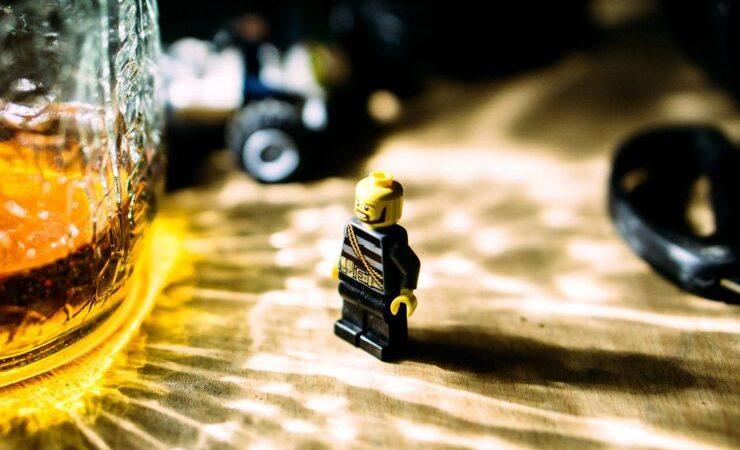 Мировые производители усилят борьбу с употреблением алкоголя несовершеннолетними