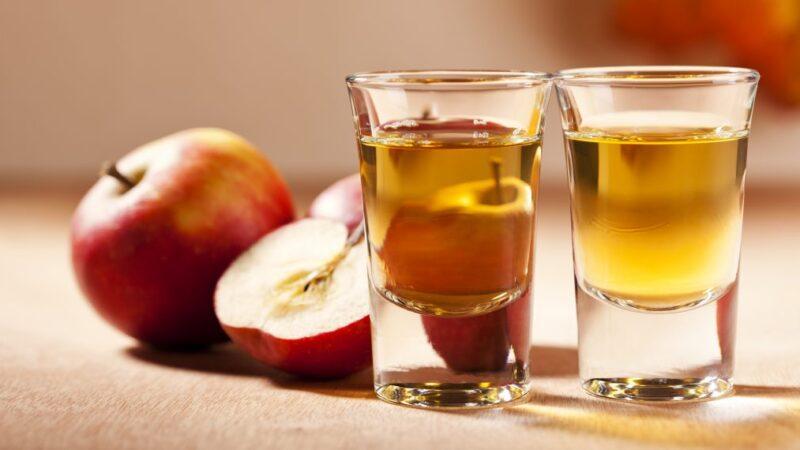 Наливка из яблок с ванильным сахаром