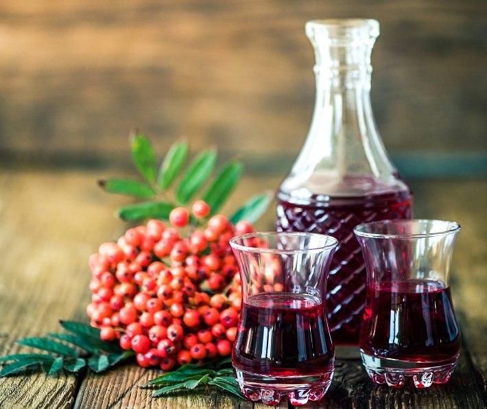 2 простых рецепта домашнего вина из рябины