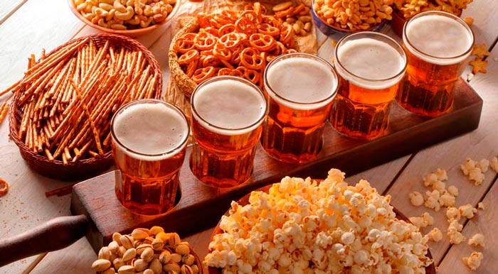 Вкусные, острые, оригинальные: топ-5 лучших закусок к пиву в домашних условиях