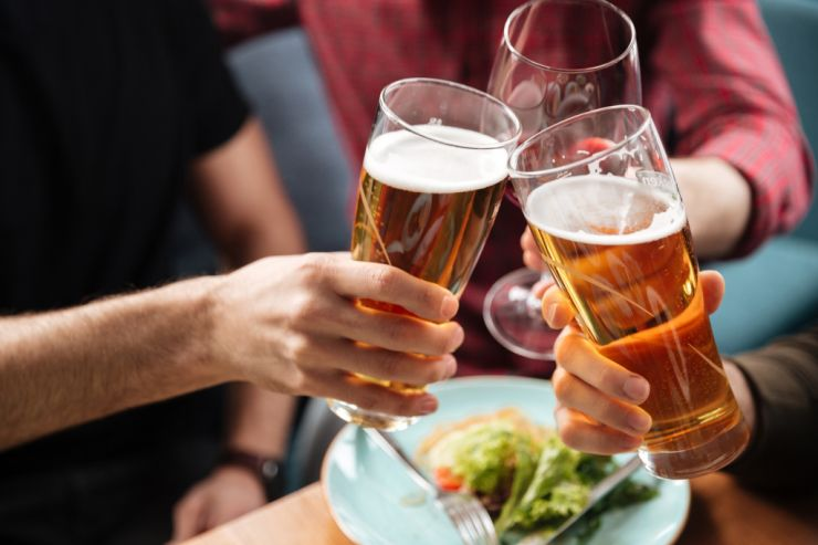 В Британии заморозят акцизы на весь алкоголь