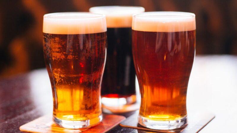 Как правильно наливать пиво