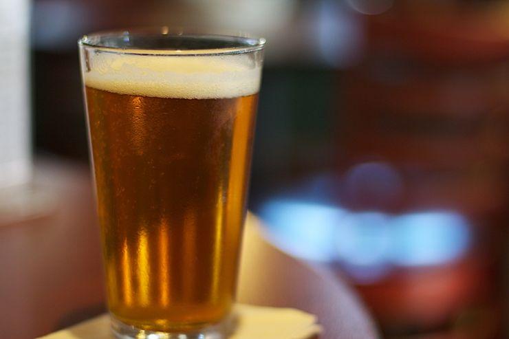 Бельгийцы нарушают карантин, чтобы выпить пива в Голландии