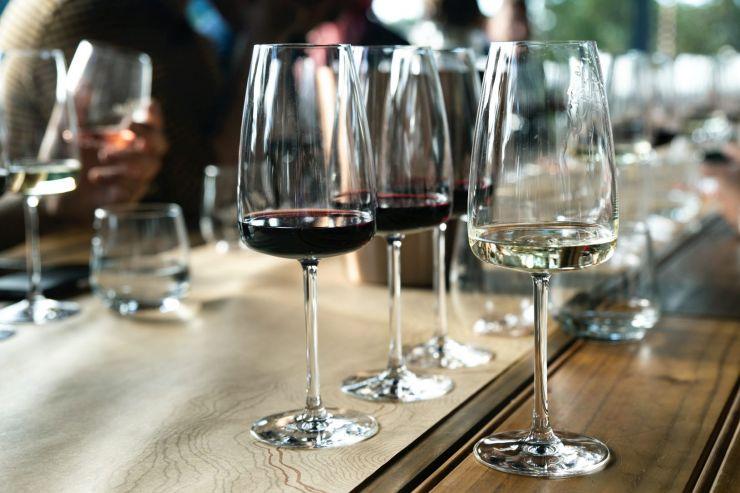 Как не ошибиться с выбором вина к праздничному столу?