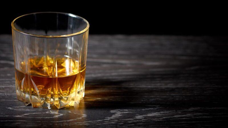 Ядерные осадки выставляют поддельный «старинный» виски
