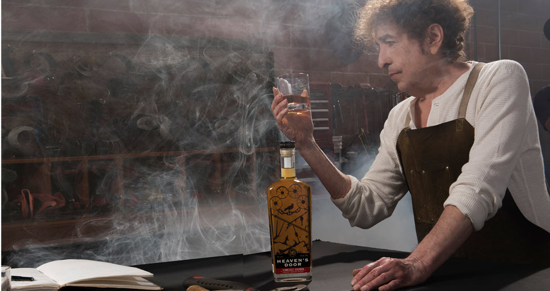 Боб Дилан везёт свой виски в Великобританию