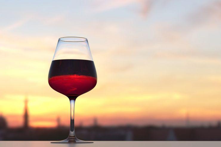 Виноделы хотят расторгнуть договор с Ольгой Бузовой из-за низких продаж