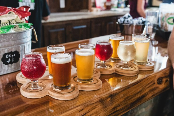 Новинки недели: кисляки и пиво в поддержку барменов