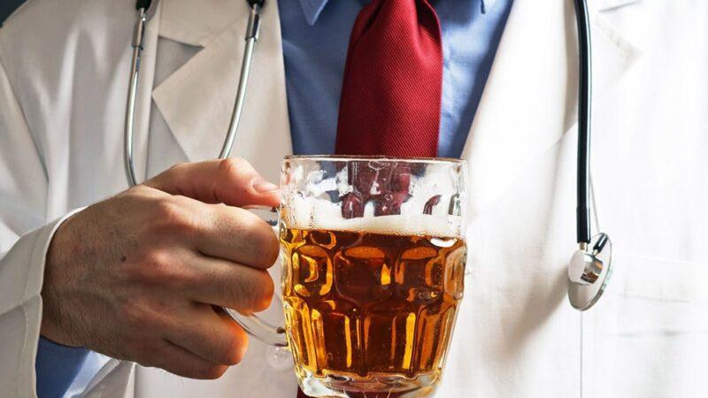 Ингредиенты, входящие в состав пива, подавляют разрушительные процессы в печени