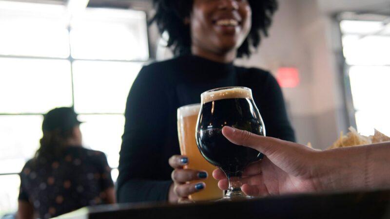 Каждую неделю в Великобритании закрываются две пивоварни