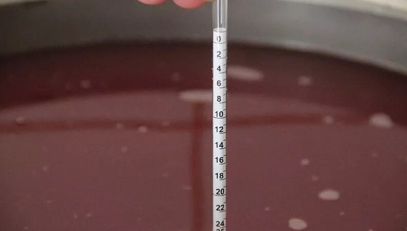 Как пользоваться сахарометром и виномером?