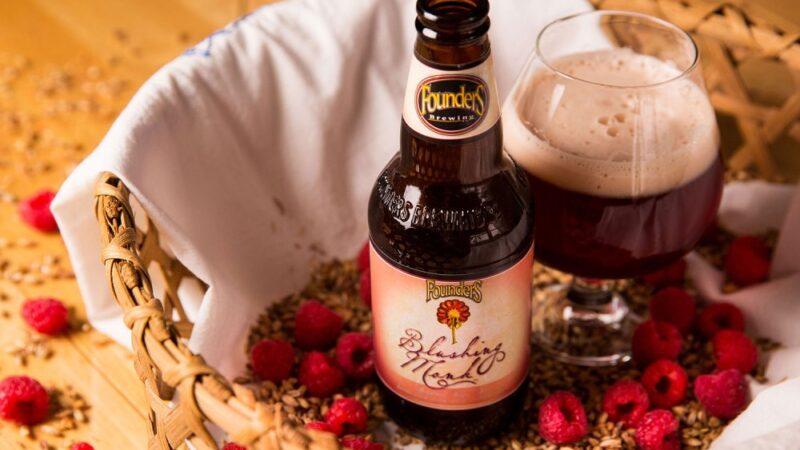 Founders возобновляет выпуск пива Blushing Monk