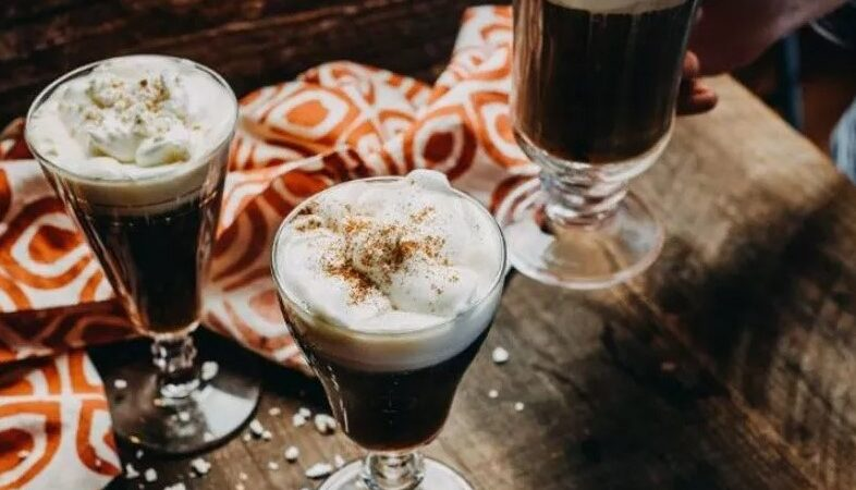 Ирландский кофе: традиционный и не очень